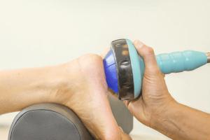 Shockwave-chockbølgeterapi-haelspore-klinik